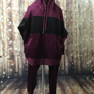 Champion Other - Striped hooded top w/jogger pants